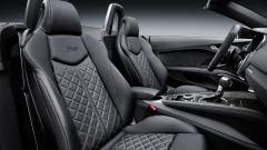 Audi TT RS Roadster 2016, sedili anteriori