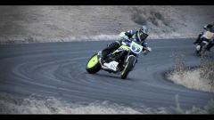 Auto contro moto sfida a tutto drift - Immagine: 1