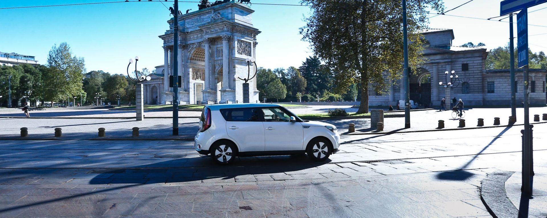Auto elettrica, Milano si prepara ad ospitare 1.000 punti di ricarica