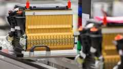 Batterie auto elettrica, l'allarme: rischio carenza materie prime