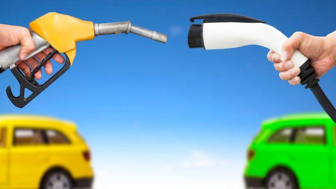 Auto elettrica vs auto tradizionale: in materia di incentivi, non c'è partita