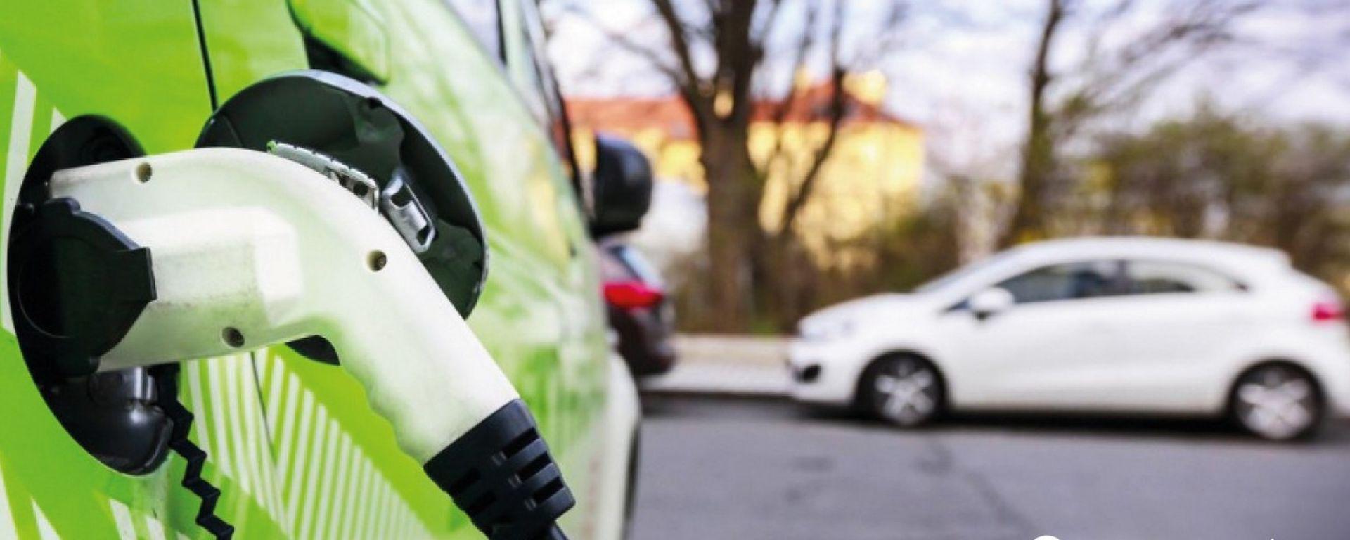 Auto elettriche e ibride: boom di immatricolazioni