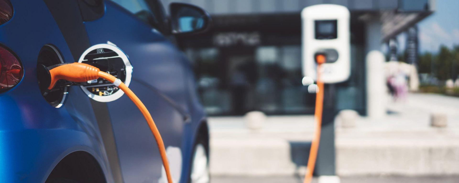 Auto elettriche: la svalutazione le affossa