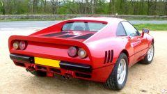 Auto italiane iconiche con motore V8: la coda della Ferrari 288 GTO