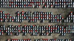 Crollano i diesel in UK: volano le auto elettriche e le ibride plug-in
