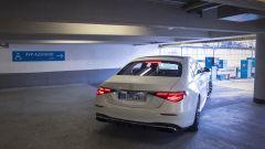 Automated Valet Parking: Classe S esce da sola dal parcheggio