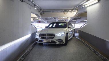 Automated Valet Parking: Classe S in movimento nel parcheggio