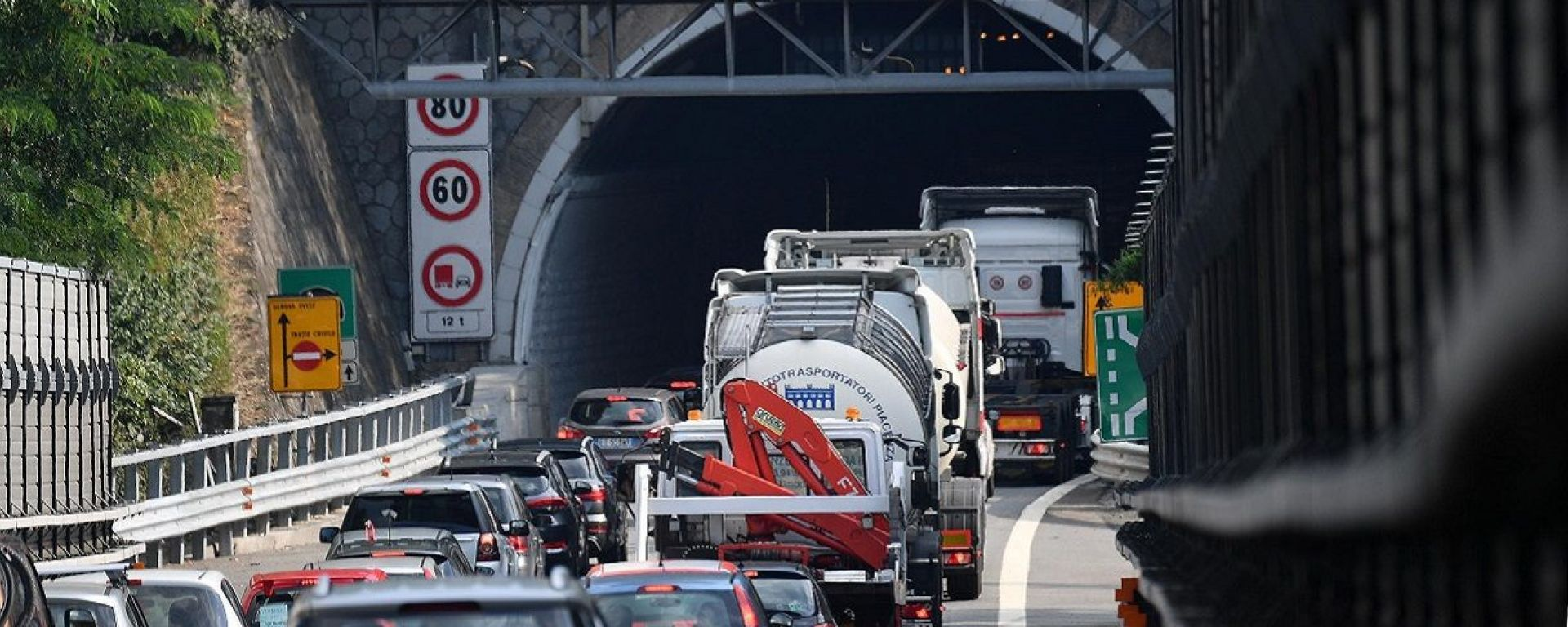 Autostrada Milano-Genova, code interminabili