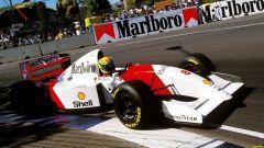 Ayrton Senna in azione con la McLaren MP4/8