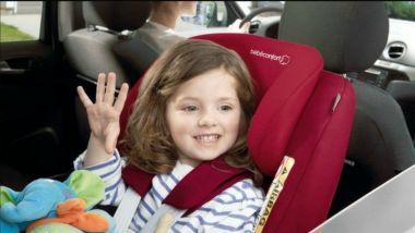 Bambini a bordo: firmato il decreto che rende obbligatori i seggiolini anti-abbandono