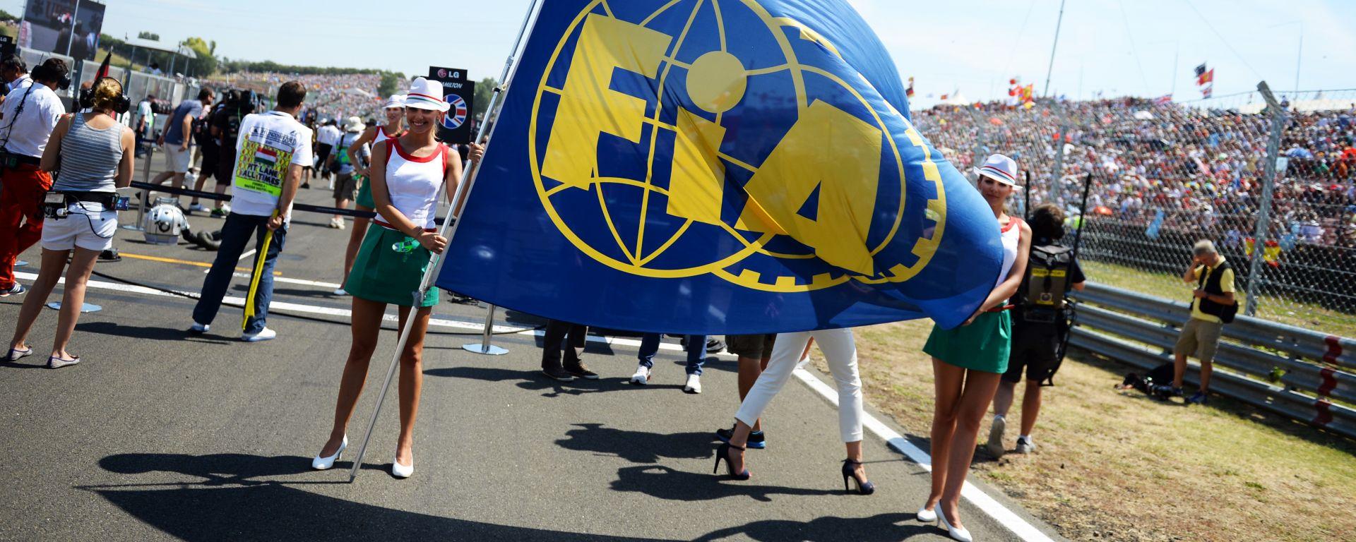Bandiera della FIA, la Federazione Internazionale dell'Auto