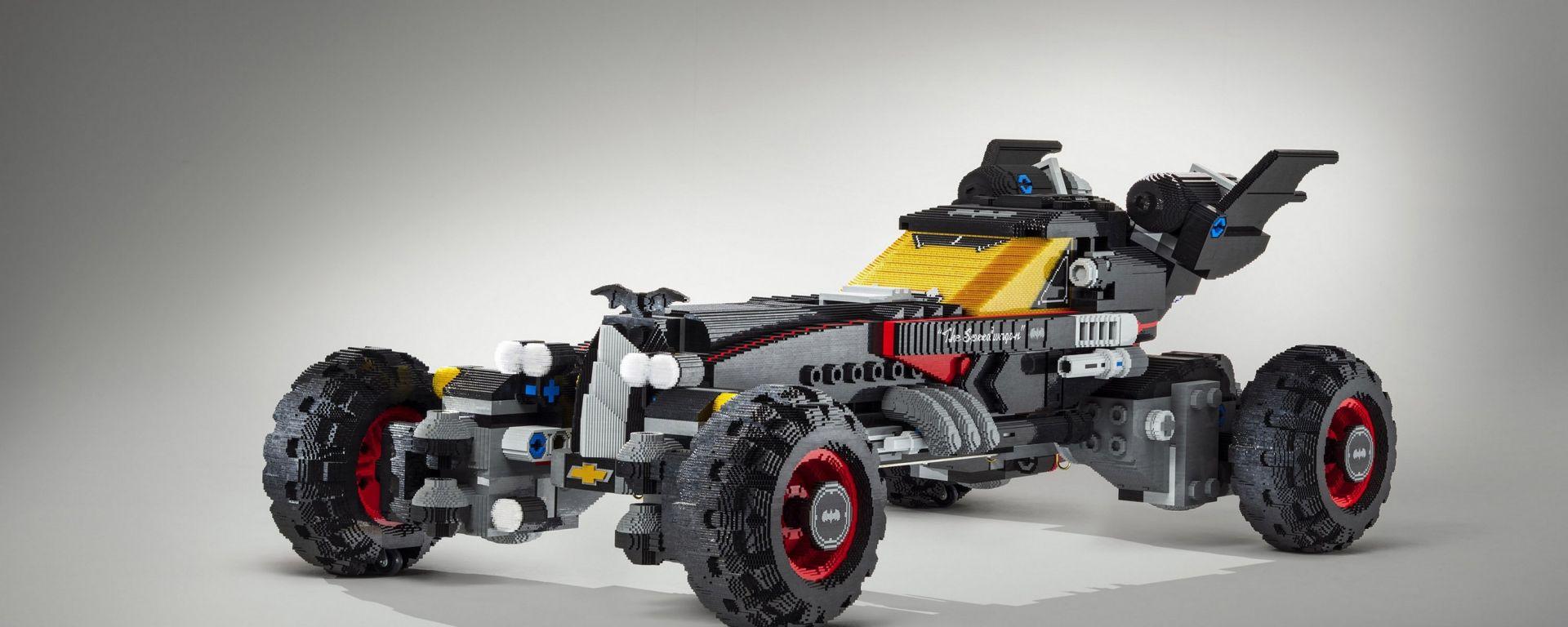 Batmobile di Lego: da Chevrolet un incredibile modellino scala 1:1