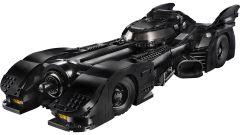 Batmobile LEGO: visuale di 3/4 anteriore