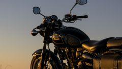 Benelli Imperiale 400: le linee al tramonto