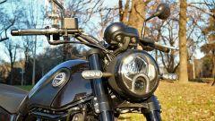 Benelli Leoncino 500, il faro anteriore è full LED con luce DRL