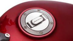 Benelli Leoncino 500 rosso: il tappo del serbatoio