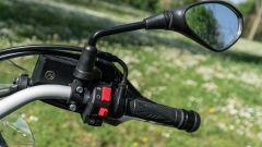 Benelli TRK 502 X: blocchetto elettrico destro