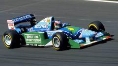...Benetton, che vince due titoli mondiali con Schumacher, abbandonando la Formula 1 nel 2001 a vantaggio della...