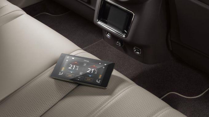 Bentley Bentayga 2020: il tablet per controllare le funzioni di bordo