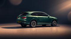 Bentley Bentayga 2020: visuale di 3/4 posteriore