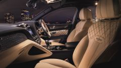 Bentley Bentayga Hybrid 2021, interni: l'abitacolo anteriore