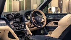 Bentley Bentayga Hybrid 2021: nuovi il volante e la console centrale