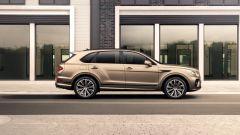 Bentley Bentayga Hybrid 2021: vista laterale