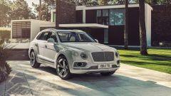Bentley Bentayga Hybrid: vista 3/4 anteriore