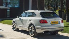 Bentley Bentayga Hybrid: vista 3/4 posteriore