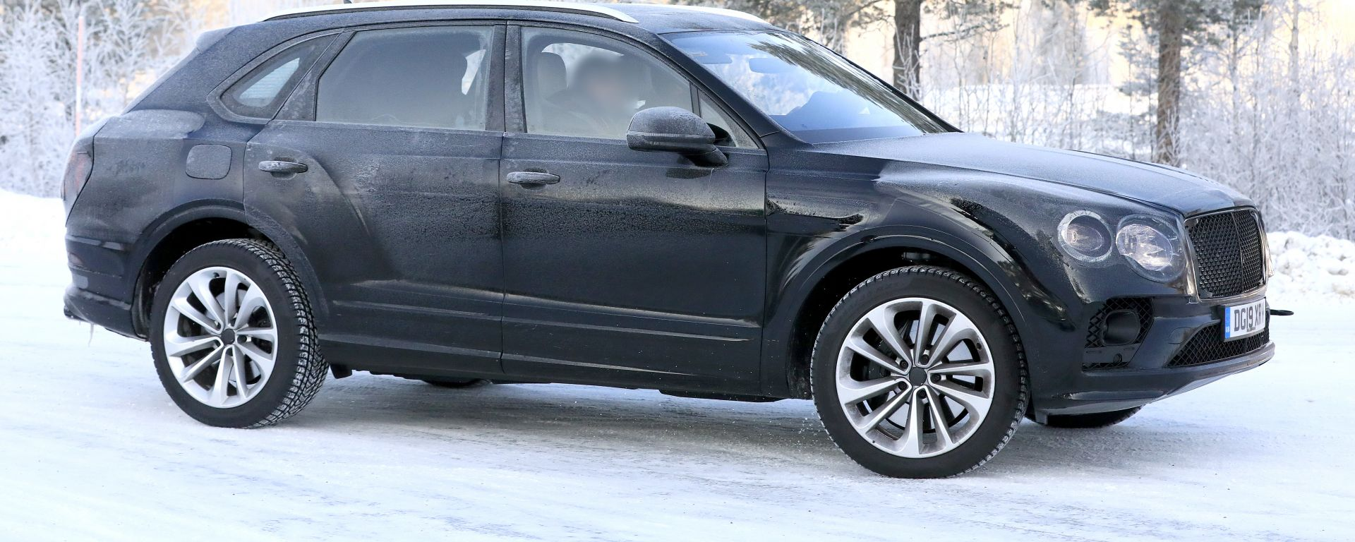 Bentley Bentayga: le foto del facelift
