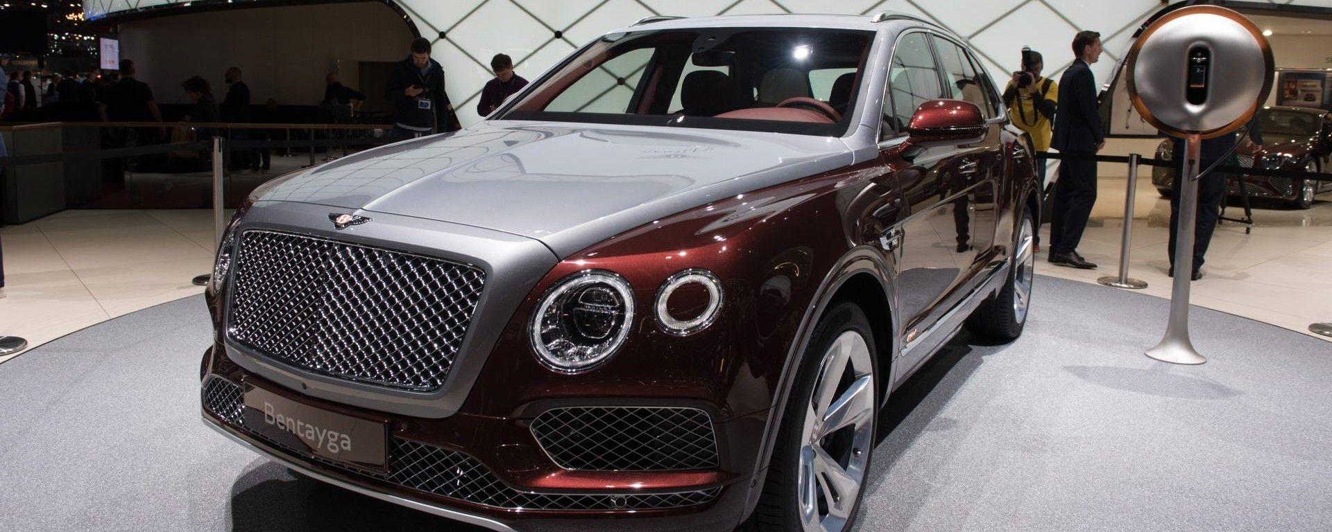 Bentley Bentayga V8, live Salone di Ginevra 2018