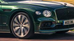 Bentley Fying Spur con la nuova Styling Specification, nuovo è lo splitter sotto al paraurti