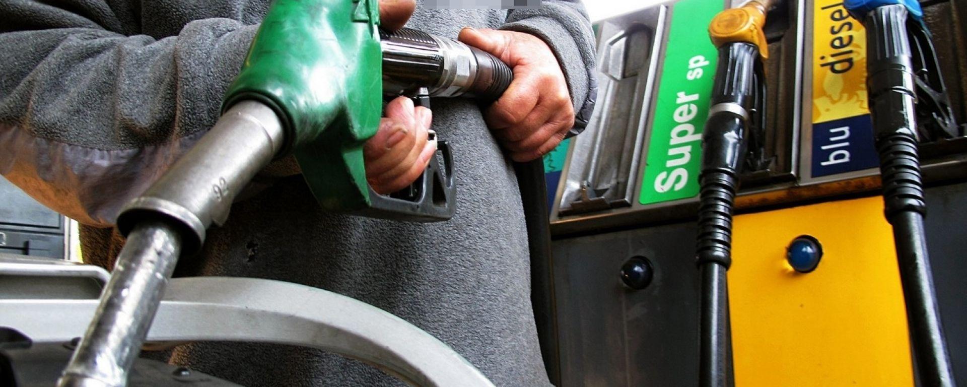 Benzina e gasolio, quante accise