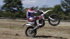 Beta Motorcycles gamma RR 2020, muso verso il cielo