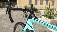Bianchi Aria e-Road: manubrio e comando del motore