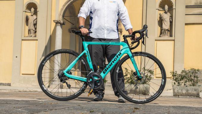 Bianchi Aria e-Road: solo 12,5 kg di peso