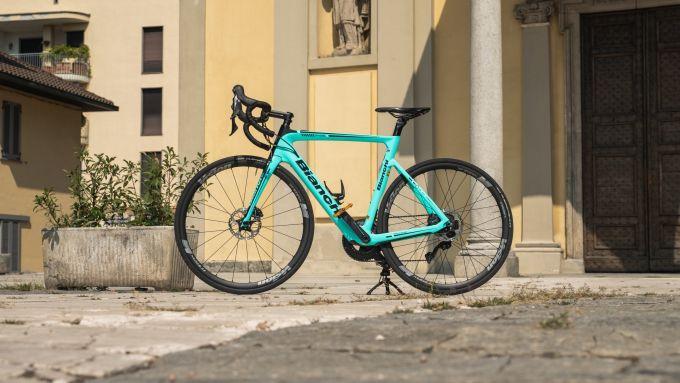 Bianchi Aria e-Road: visuale laterale