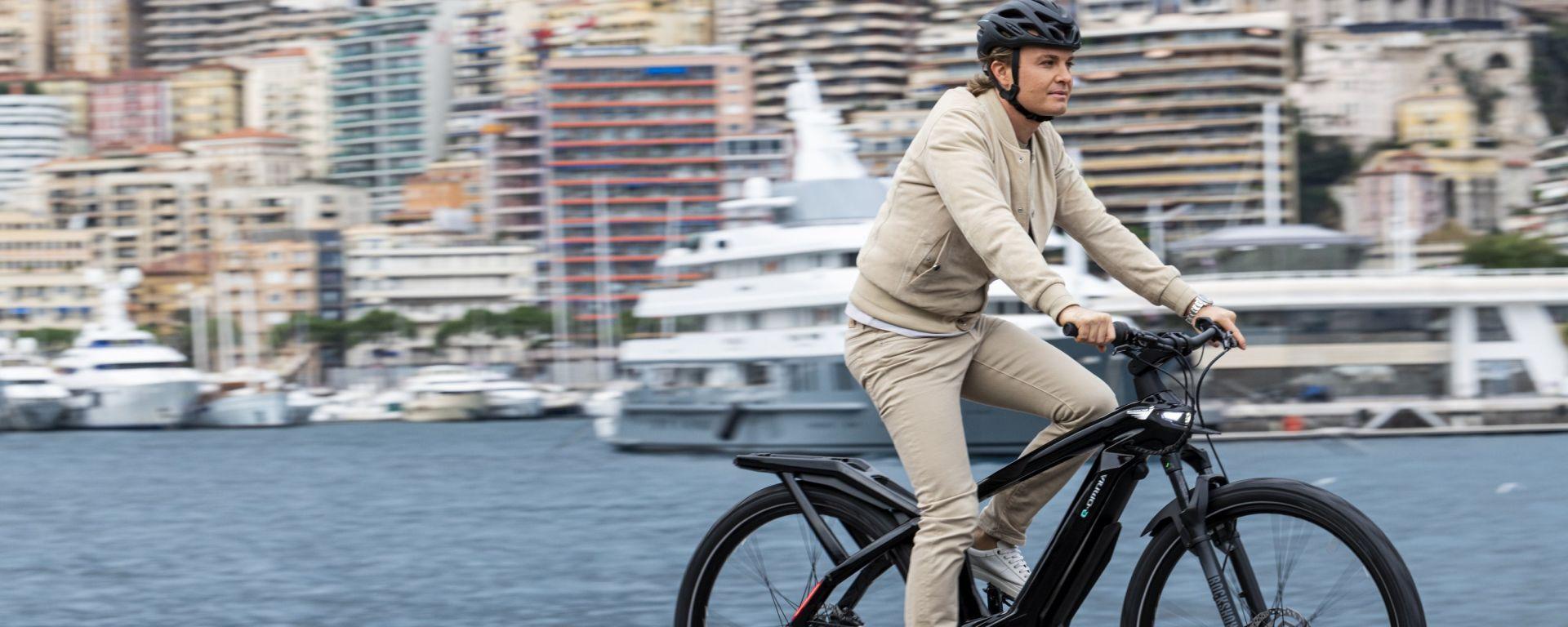 Bianchi e-Omnia, Nico Rosberg in sella alla sua e-bike