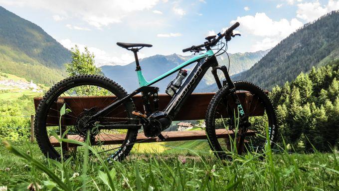 Bianchi T-Tronik Rebel 9.1: uno scatto dalle Dolomiti