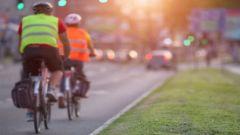 Biciclette contromano: anche i giubbotti ad alta visibilità