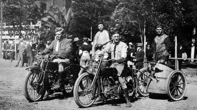 Bighe motorizzate Chariot Racing: molto popolari, all'epoca...