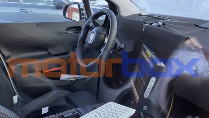 BMW 2 Active Tourer 2021: i nuovi interni camuffati