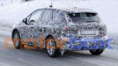 BMW 2 Active Tourer 2021: visuale in movimento, 3/4 posteriore