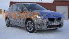 BMW 2 Active Tourer 2021: visuale statica, 3/4 anteriore