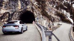 BMW 2002 Hommage: 50 anni di piacere di guida - Immagine: 5