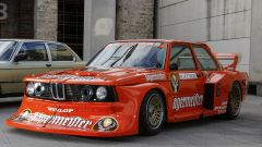 BMW 320 Turbo Group 5 del Gerhard Schneider's Freiburg GS team in livrea Jägermeister (1979)