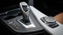 BMW 320d GT xDrive: la leva del cambio automatico