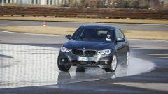 BMW 320d GT xDrive: prova di tenuta laterale su ghiaccio artificiale