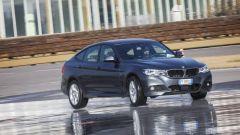BMW 320d GT xDrive: vista 3/4 anteriore