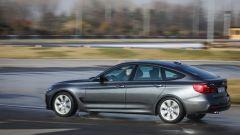 BMW 320d GT xDrive: vista 3/4 posteriore